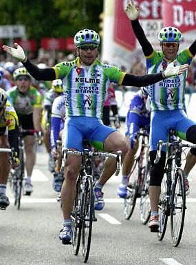 http://autobus.cyclingnews.com/photos/2003/feb03/balears/AFP1.jpg