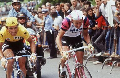 http://autobus.cyclingnews.com/photos/2003/tour03/champs/cyclisme_france_hinault_24.jpg