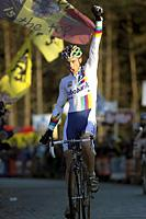 (Click for larger image) Sven Nys (Rabobank) celebrates his victory