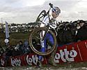 (Click for larger image) Sven Nys (Rabobank) struggling up the climb