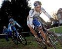 (Click for larger image) Sven Nys (Rabobank) leads Bart Wellens in Essen