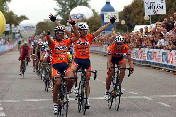 autobus.cyclingnews.com/photos/2005/sep05/chianti/13.jpg