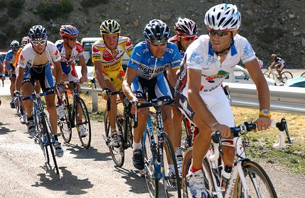 http://autobus.cyclingnews.com/photos/2006/vuelta06/vuelta067/7_31g.jpg