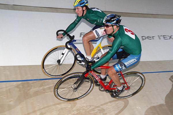 http://autobus.cyclingnews.com/photos/2007/nov07/milan07/milan071/POPOVICH_ZAGORODNY_PIST1293.jpg
